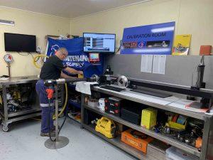 hydraulic cylinder car repair in calibration room