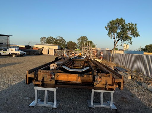 heavy duty underground mining conveyor vehicle